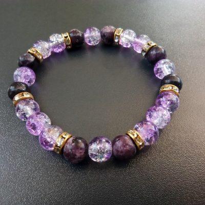 Fenséges lila ásvány karkötő
