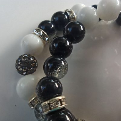 Elegancia fekete-fehér ásvány karkötő